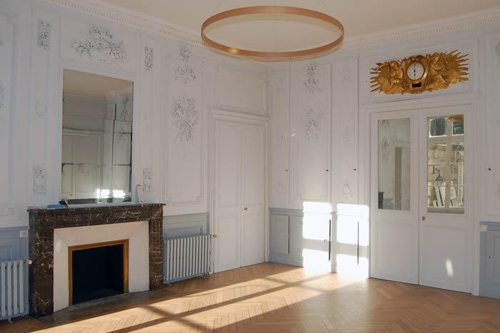 rénovation d'un appartement - peinture boiserie et moulures, luminaire et parquet - Nantes 44