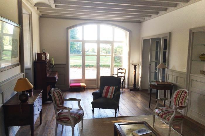 Salon avec boiseries créées - Guérande 44