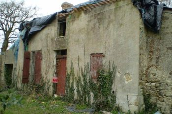 Façade d'une maison à renover