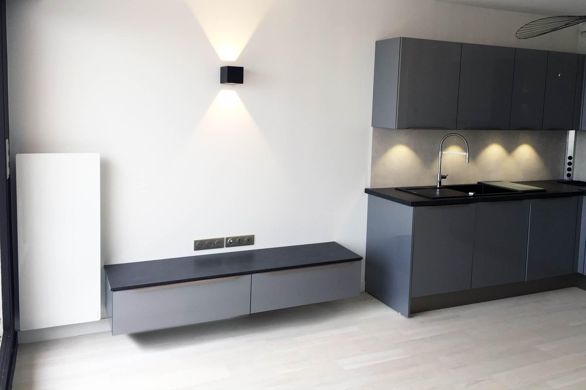 Cuisine et meuble TV - Appartement La Baule - Architecture intérieure