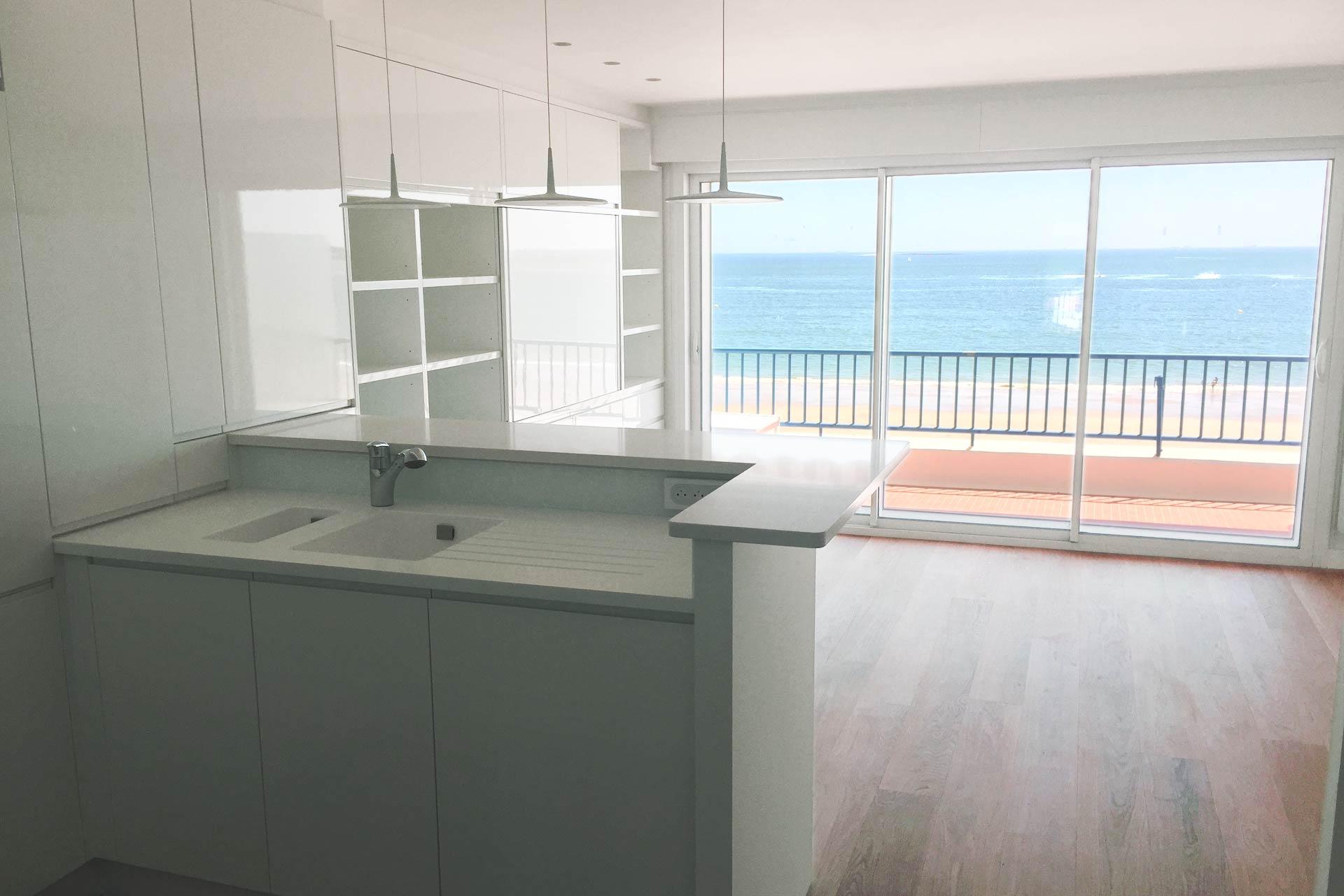 Cuisine sur mesure - rénovation complète d'un appartement Architecture d'intérieur