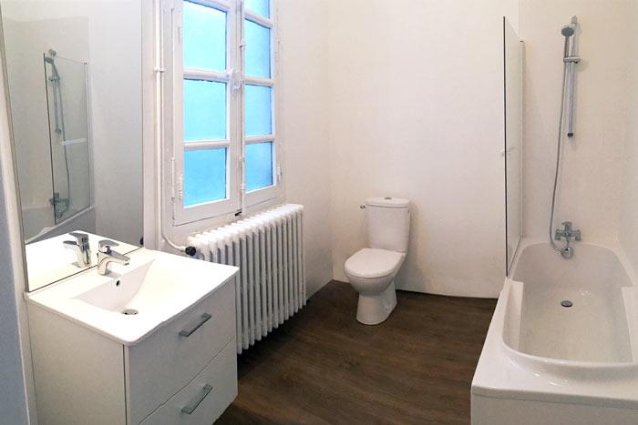 Salle de bain après rénovation à Nantes