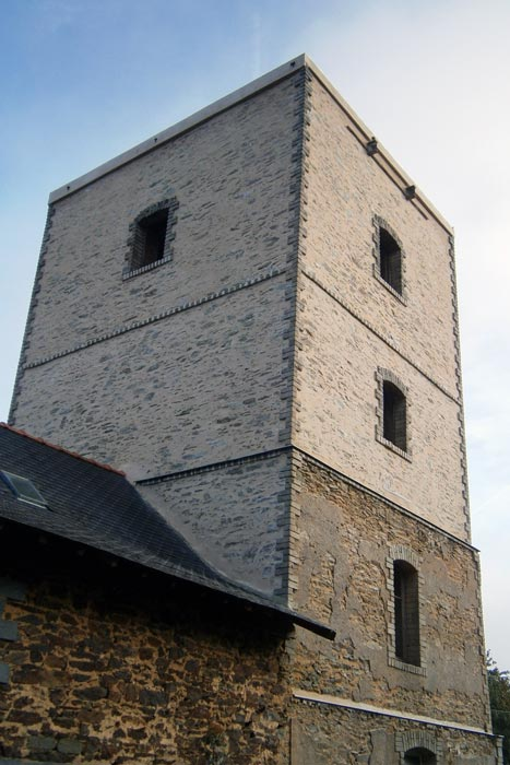 Château d'eau : façade rénovée
