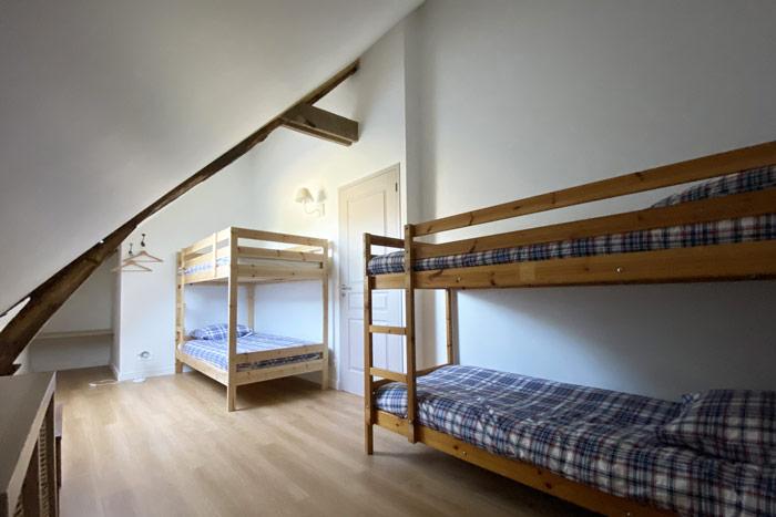 Chambre sous rampant - Suite avec salle d'eau ouverte