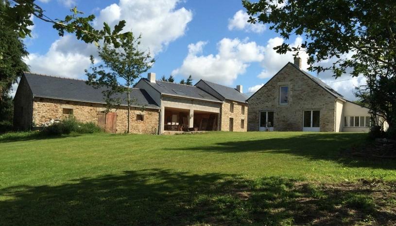 Restauration d'un corps de ferme en maison familiale